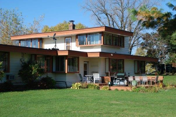 Usonian inn wisconsin for sale for Usonian house plans for sale